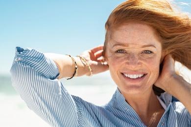 Što su fotoliaza i liposomi te kako djeluje Ladival Akut Fluid nakon sunčanja?